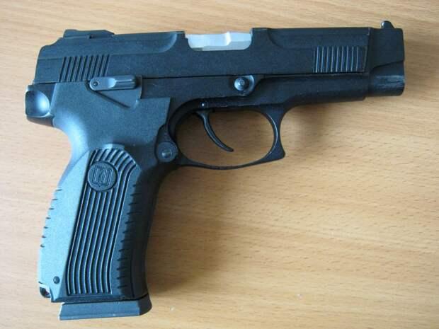 Травматический пистолет МР-353: история создания и обзор технических характеристик