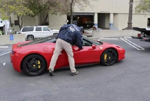 Американец получил 5 миллионов долларов от государства на борьбу с Covid-19 и потратил их на Ferrari.