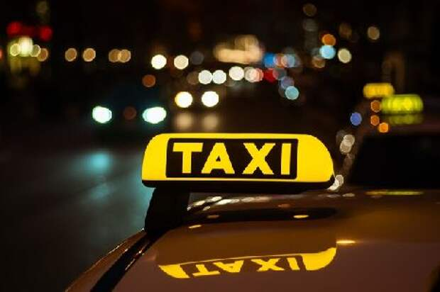 На севере Тамбова трое пассажиров избили и ограбили таксиста