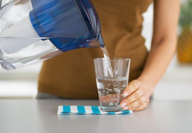Как очистить воду, не замораживая ее и не используя фильтр