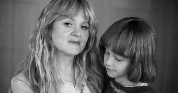 Михалкова и Янковская играют мать и дочь: первые фото