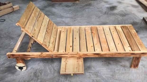 Шезлонг с колесиками (из деревянных поддонов) своими руками