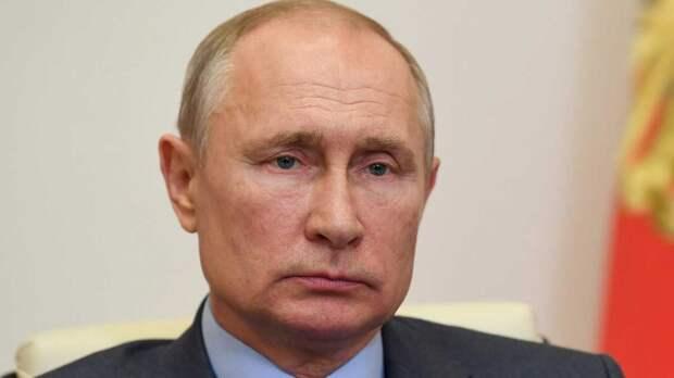 """Путин: Украину превращают в """"антипод"""" России"""