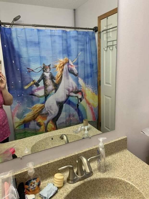 Занавеска в ванной кот на единороге