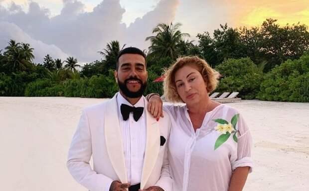 Мама Тимати закрыла комментарии в блоге после известия о его расставании с Решетовой