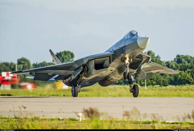 На авиашоу Aero India 2021 РФ представит модель истребителя Су-57Э