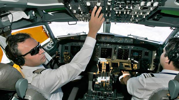 В опасности сотни тысяч людей. В небе России и Европы пилоты с поддельными удостоверениями