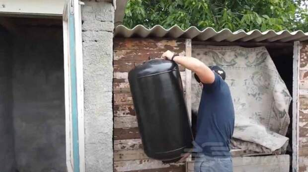 Летний душ на даче (из старого водонагревателя)