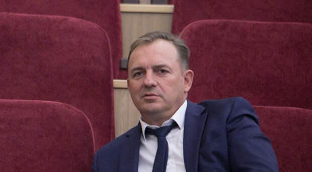Уволенный после визита в Новосибирск премьер-министра Мишустина бывший управделами стал главой Первомайского района