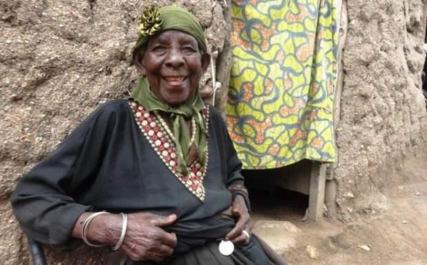 Женщина, которая спасла от геноцида сотни человек (8 фото)