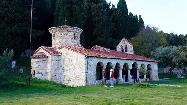 Путешествие по Албании. Часть 5. Монастырь Богородицы в Звернеце.