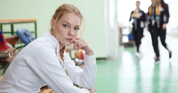 Ходченкова играет саблистку: новые фото со съемок