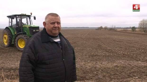 Белорусские фермеры активно проводят посевную.
