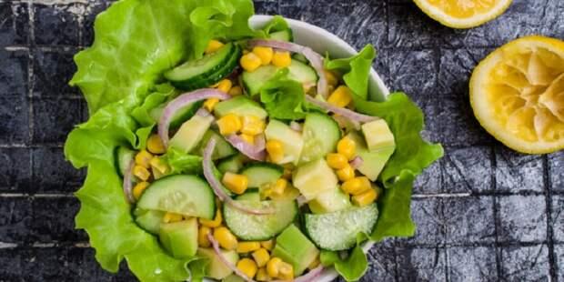Салат из кукурузы и авокадо