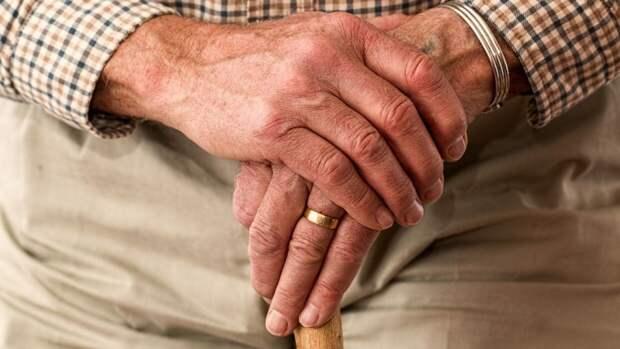 Холодные руки могут указывать на болезнь нервной системы