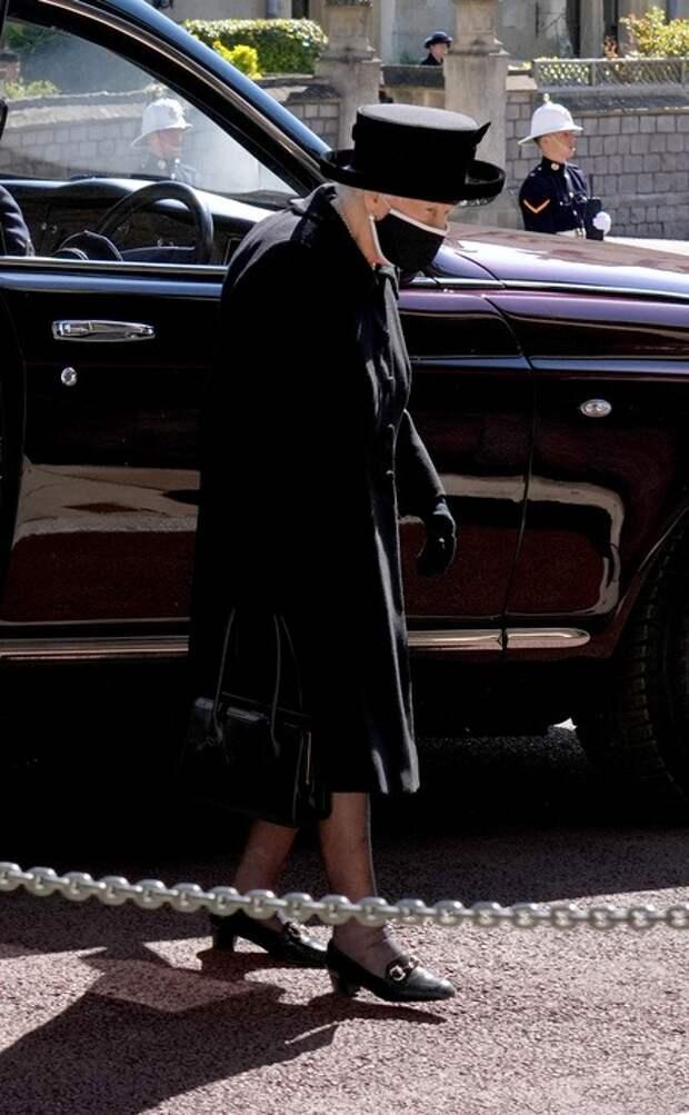 """Муж Зары Тиндалл раскрыл подробности похорон принца Филиппа: """"Это был жуткий день"""""""