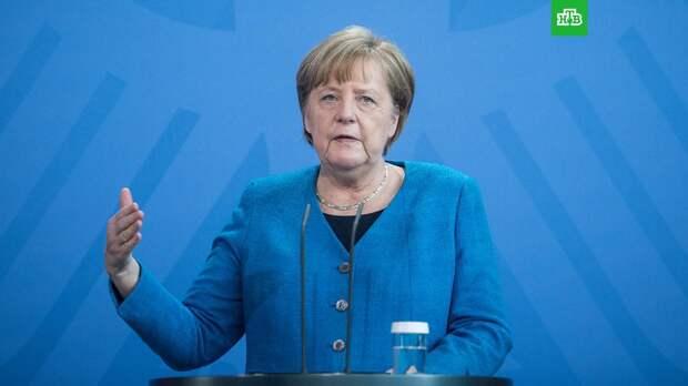 Меркель призвала США делиться компонентами вакцин от COVID-19