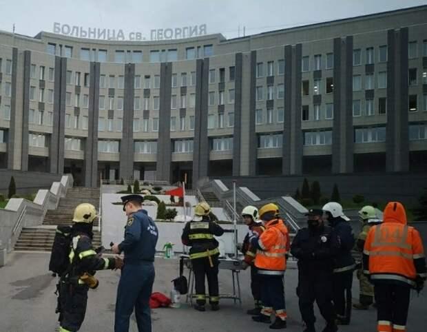 """Росздравнадзор приостановил обращение аппаратов ИВЛ """"Авента-М"""" после пожаров"""