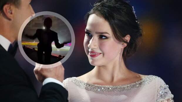 Дурацкий танец Ягудина на шоу «Ледниковый период» довел Загитову до истерического смеха: видео