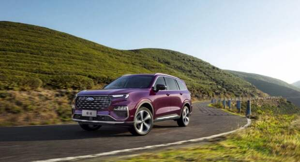 Новый трехрядный Equator от Ford официально поступил на рынок за 2 млн рублей