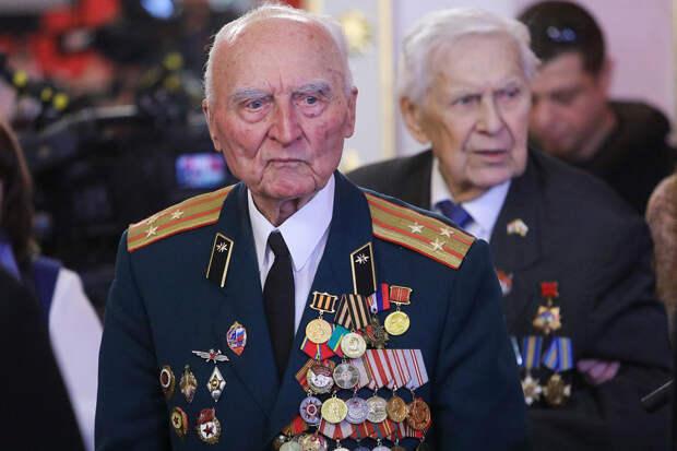 Госдума ужесточила наказание за оскорбление ветеранов
