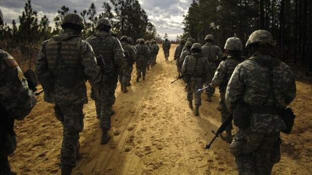 """Глава Пентагона Ллойд Остин: военнослужащие ВС США никогда не станут """"мягкими"""""""
