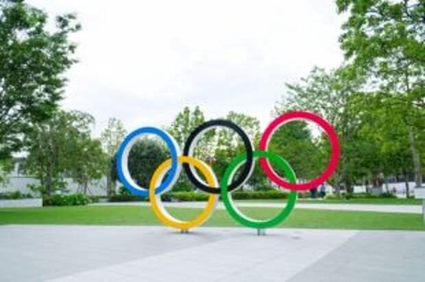 Сборная РФ поднялась на пятую строчку в общем медальном зачете Олимпиады