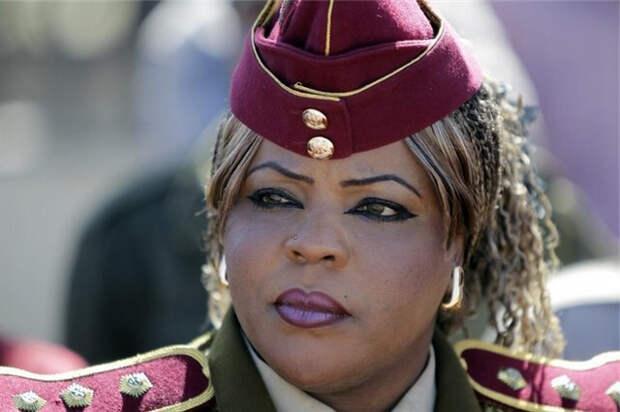 Женщина из отряда Каддафи