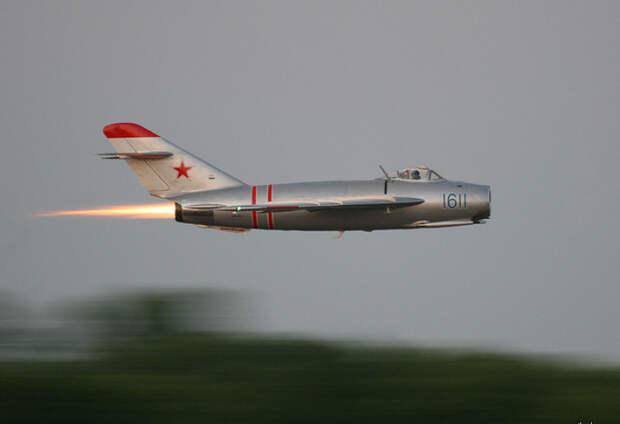 Советский инженер Петр Горбанев оказался на крыле самолета Миг 17, когда тот взлетел. История военных лет СССР