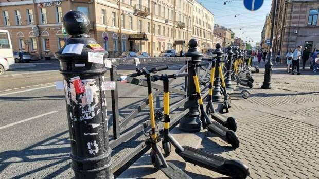 Новые требования для любителей езды на электросамокатах и гироскутерах могут закрепить в ПДД
