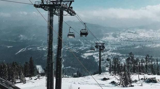 В Кузбассе из-за снегопада вышел из строя транспорт