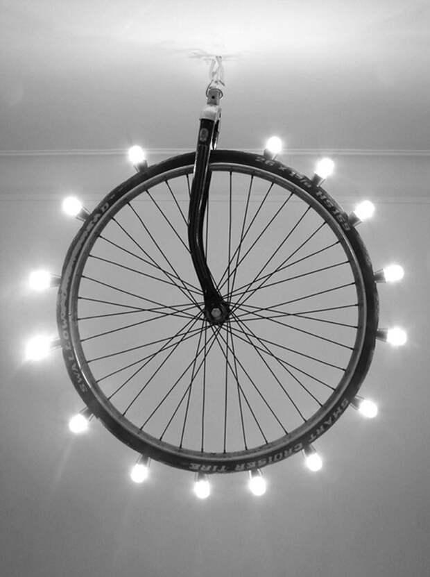 светильник из старого велосипеда