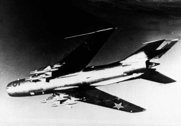 MiG-19_armament_1.jpg