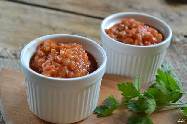 Аджика из кабачков с помидорами