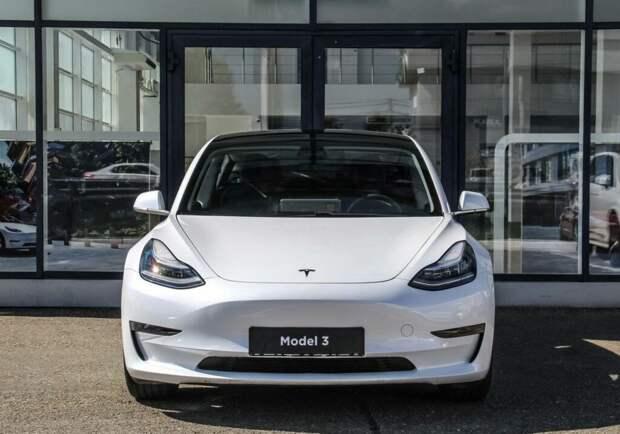 В России начались онлайн продажи электромобилей Tesla