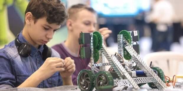 Сергунина: В Москве открыт набор участников на детско-юношеские соревнования по робототехнике Фото: mos.ru
