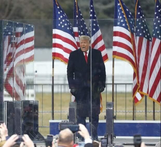 После штурма Капитолия возбуждено 25 дел о терроризме, а Трампу грозит импичмент