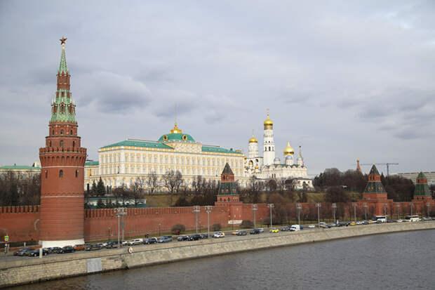Базовый сценарий пока такой – Путин в 2024-м снова идет на выборы