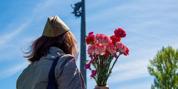 Ветеранов из Свиблова поздравили с Днём Победы музыкальным флешмобом во дворах