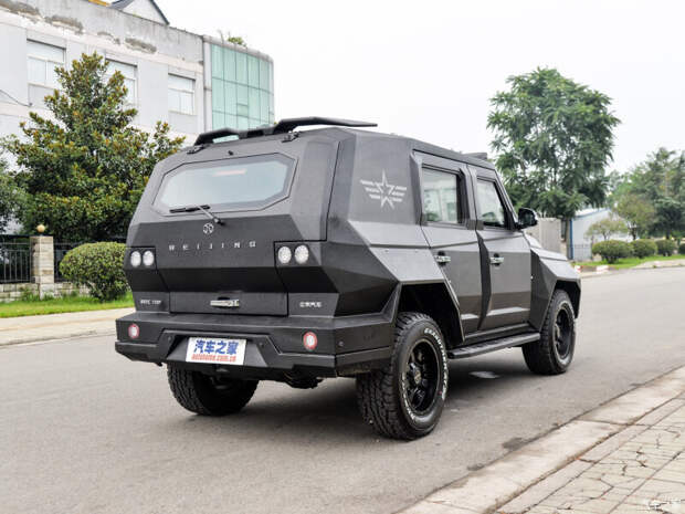 Китайцы сделали машину для армагеддона - Beijing BJ80 Defenders Edition