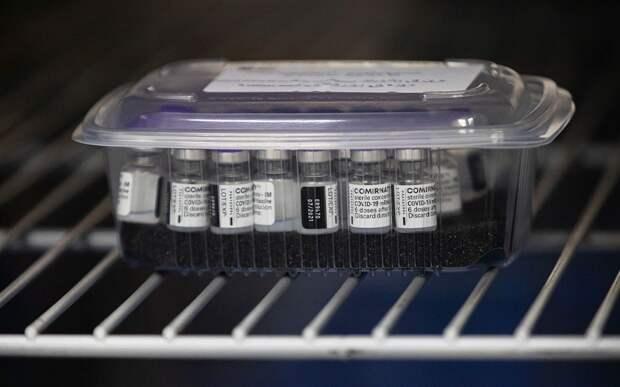 Франция затягивает окончательное подписание ЕС контракта на поставку 1,8 млрд доз вакцины