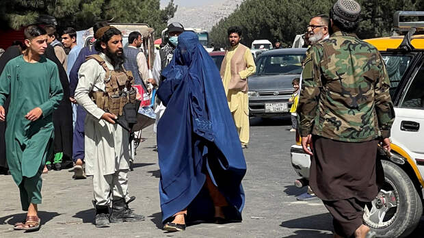 Назад в 90-е: почему Таджикистан не признает новую власть в Кабуле | Статьи  | Известия