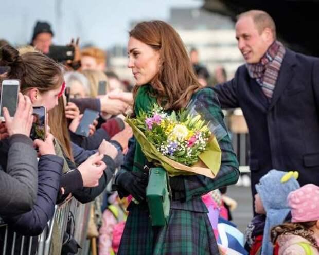 Секрет популярности Уильяма и Кейт: эксперт сравнил герцога и герцогиню Кембриджских с Меган и Гарри