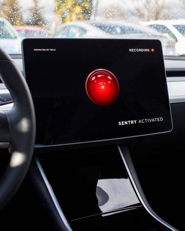 Tesla обвинили в шпионаже: бывший сотрудник заявил о незаконной слежке за работниками