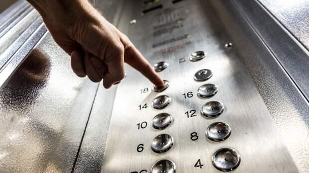 Полиция Бийска разыскивает местного «нарцисса» после кражи зеркала из лифта