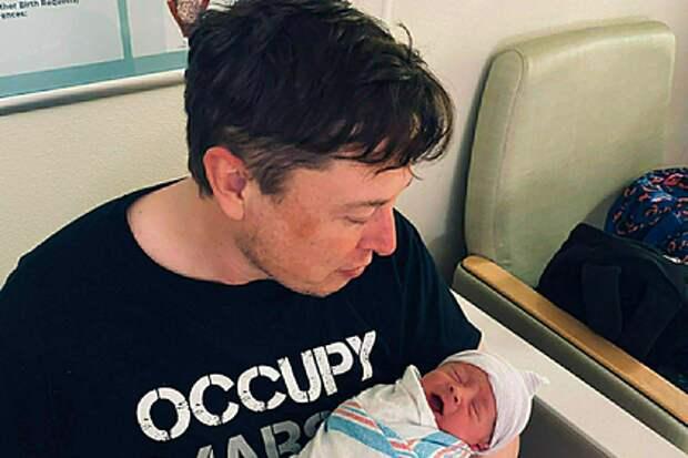 Илон Маск переназвал своего младшего сына