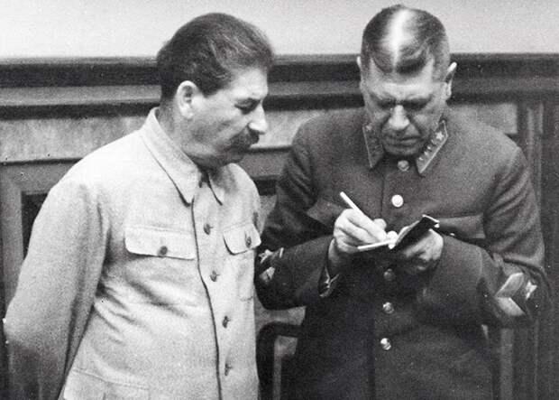 Как Сталин планировал поступить с Гитлером, если бы поймал живым