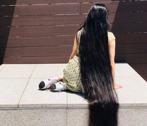 Японская Рапунцель отращивает волосы уже 15 лет