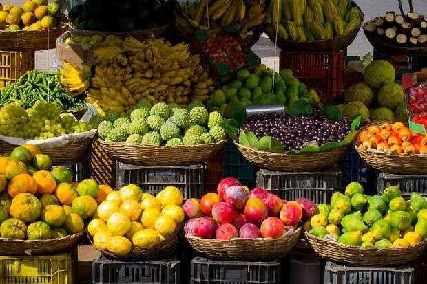 Жители городов Удмуртии почти в два раза больше тратят на продукты и товары, чем селяне