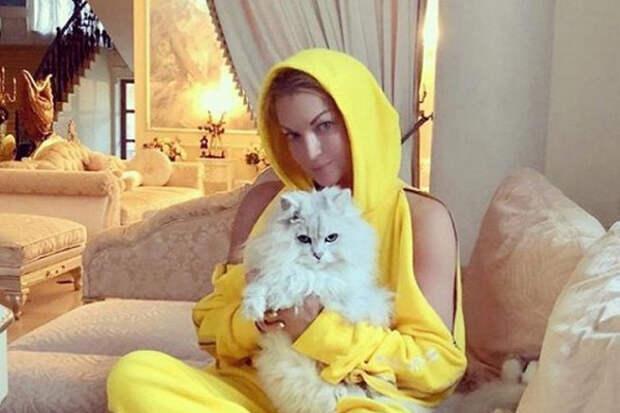 Анастасия Волочкова опубликовала видео встиле ню